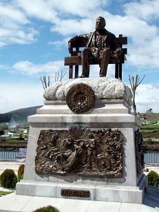20130723113346-monumento-a-ramon-de-campoamor-navia.jpg
