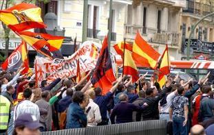 20130920121225-patriotas-no-fascistas.jpg