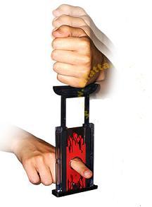 20150527095037-guillotina-dedo.jpg