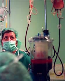 20110120050916-transfusion-quirofano.jpg