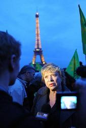 20110314090531-14.03.2011-francesa-eva-joly-protesta-paris-energia-nuclear.jpg