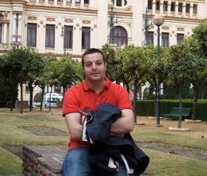 20111012205609-hugo-aviles.jpg