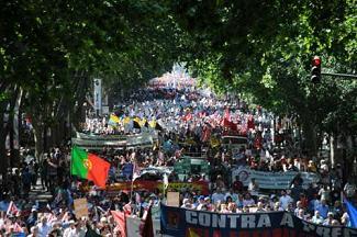 20111018091845-portugal-manifestacion-obrera-nov2010.jpg