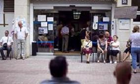20111028103155-encierro-barcelona-contra-cierre.jpg