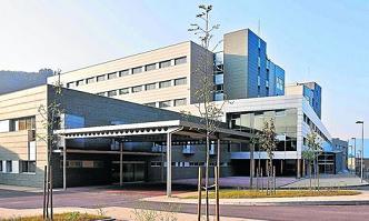 20111114134017-edificio-hospital-alvarez-buylla-mieres.jpg