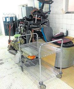 20111219094321-mobiliario-acumulado-huca.jpg