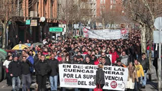 20120211084130-manifestacion-cuencas.jpg