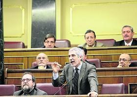 20120222103349-llamazares-congreso.jpg