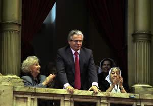 20120301193211-garzon-en-argentina.jpg