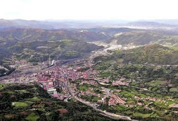 20120316114210-langreo-vista-aerea-min.jpg