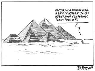 20120318115718-piramides-huelga-general.jpg