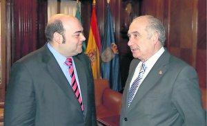 20120404103217-alcalde-oviedo-y-rector.jpg