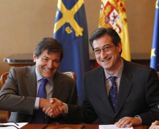 20120519093435-la-firma-del-pacto-legislatura.jpg