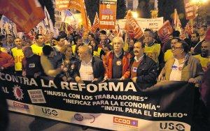 20120524094307-noche-dia-contra-reforma.jpg