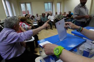 20120525122718-asamblea-iu-oviedo-votacion.jpg