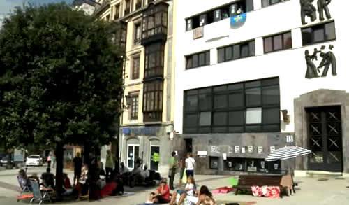 20120910203903-tomando-el-sol.jpg