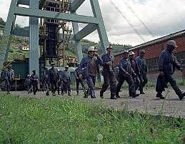 20120930113836-mineros-pozu-santiago.jpg