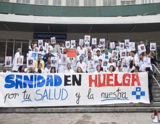 20121105084706-medicos-huelga-maternidad.jpg
