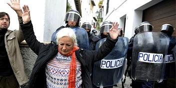 20121109112813-ciudadanos-desahucio.jpg