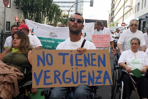 20121112094600-manifestacion-contra-ley-dependencia.jpg