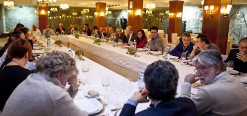 20121201114315-medicos-con-tino.jpg