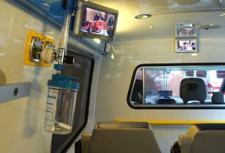 20121214095150-interiro-ambulancia.jpg