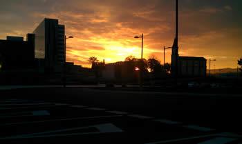 20121224094219-nuevo-huca-amanecer.jpg