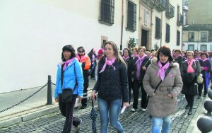 20130309121405-marcha-rosa-cangas.jpg