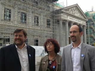 20130619190829-medicosdelmundo-congreso.jpg