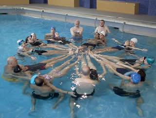 20130623094918-piscina-adaro.jpg