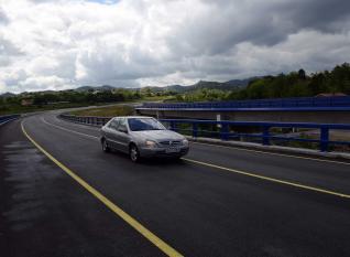 20130707101000-carretera-tuneles-riano.jpg