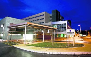 20140507123046-nuevo-hospital-mieres-nocturna.jpg