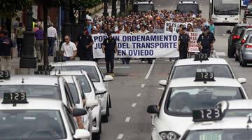20140806182602-protesta-taxi-oviedo.jpg