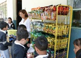 20141007124335-comida-basura-colegios.jpg