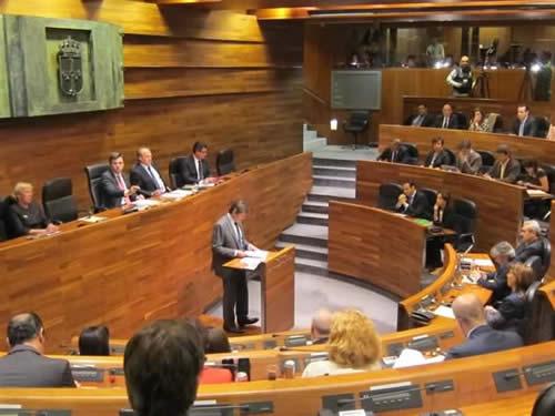 20141018104347-javier-ultimo-debate-region.jpg