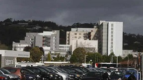 20150108074805-08.hospital-cabuenes-575x323.jpg