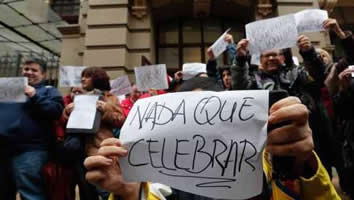 20150312121813-nada-que-celebrar.jpg
