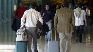 20150928110603-viajeros-aeropuerto.jpg