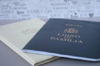 20160105100140-libro-familia.jpg
