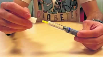 20160109103230-agujas-insulina-bajo-coste.jpg
